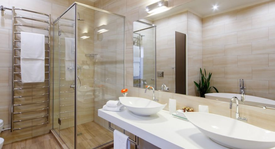 10 ideas to create your dream master bath suite for Masters toilet suites
