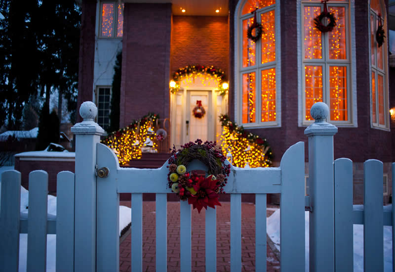 Holiday Decorating Service - Christmas Light Installation