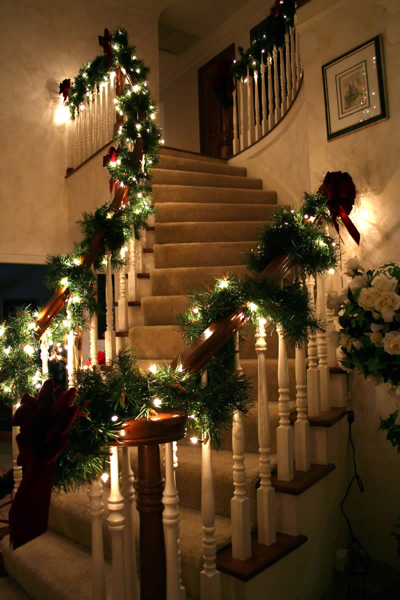 holiday decorating service stairs