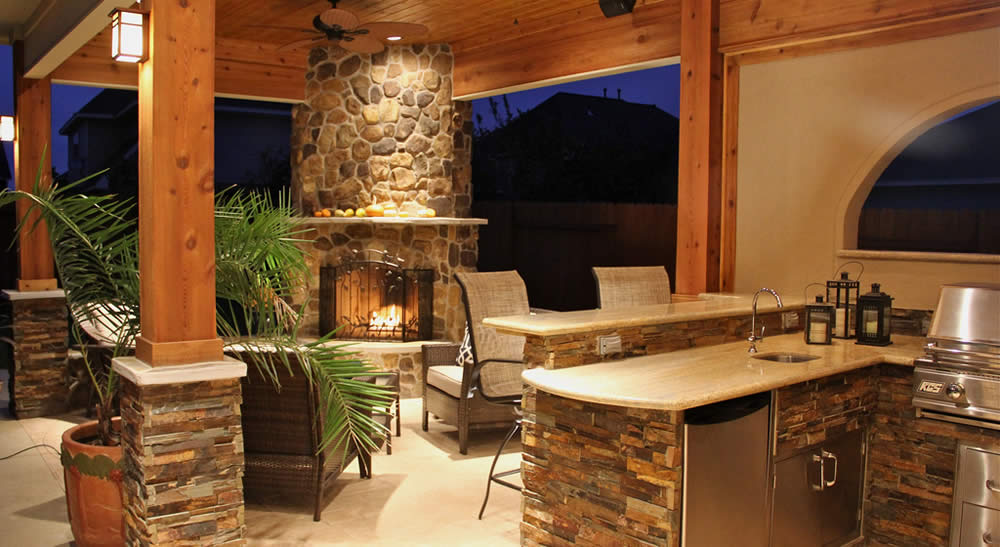 outdoor kitchen patio