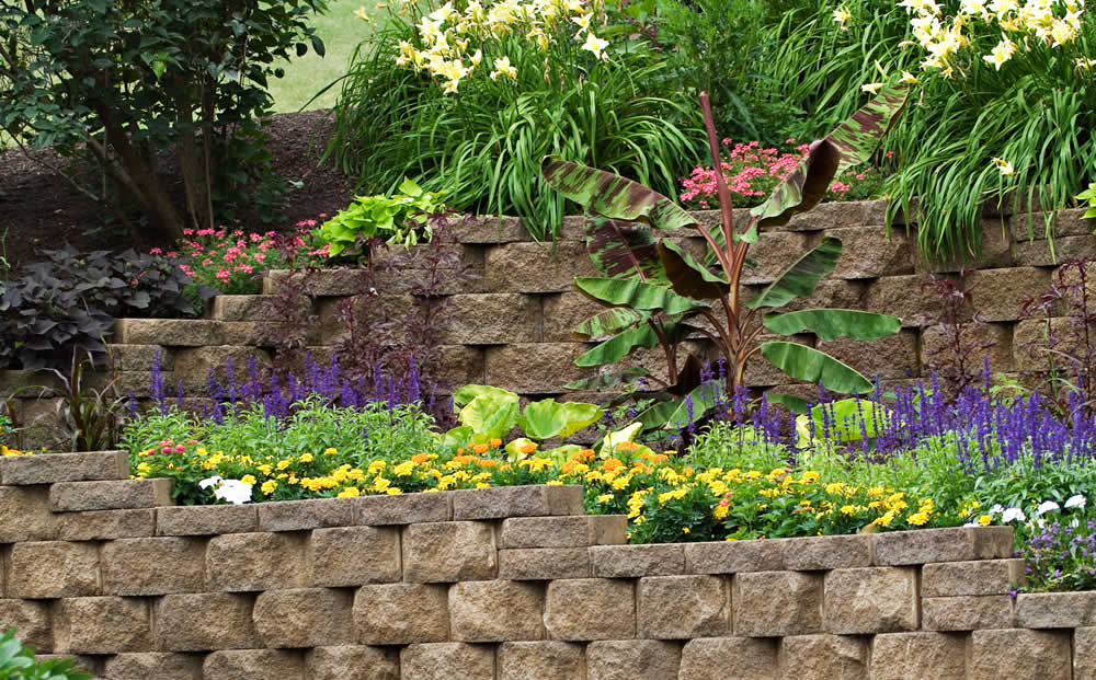 retaining wall hardscaping sample
